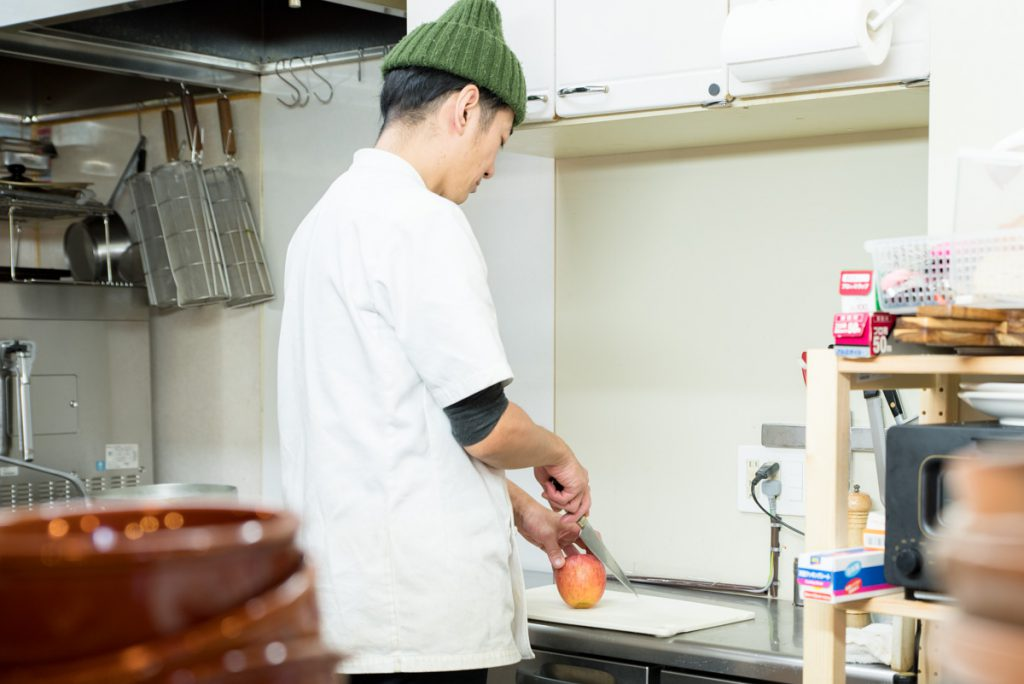 06_中島さん料理シーン